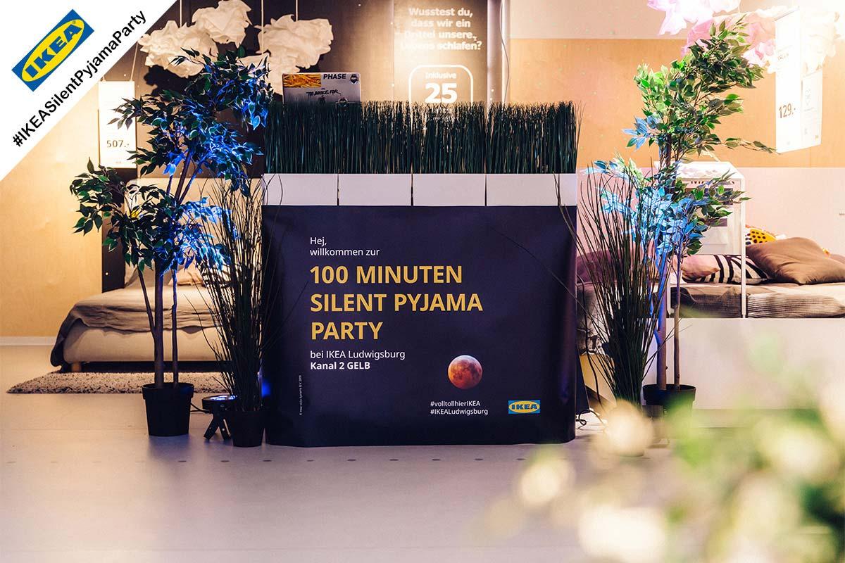Zu den Silent Disco Stuttgart –IKEA Pyjama Party Bildergalerien