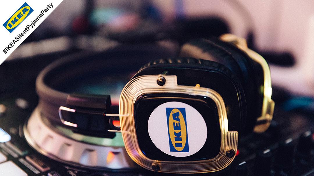 Silent Disco Kopfhörer mit gelben LED und IKEA Logo