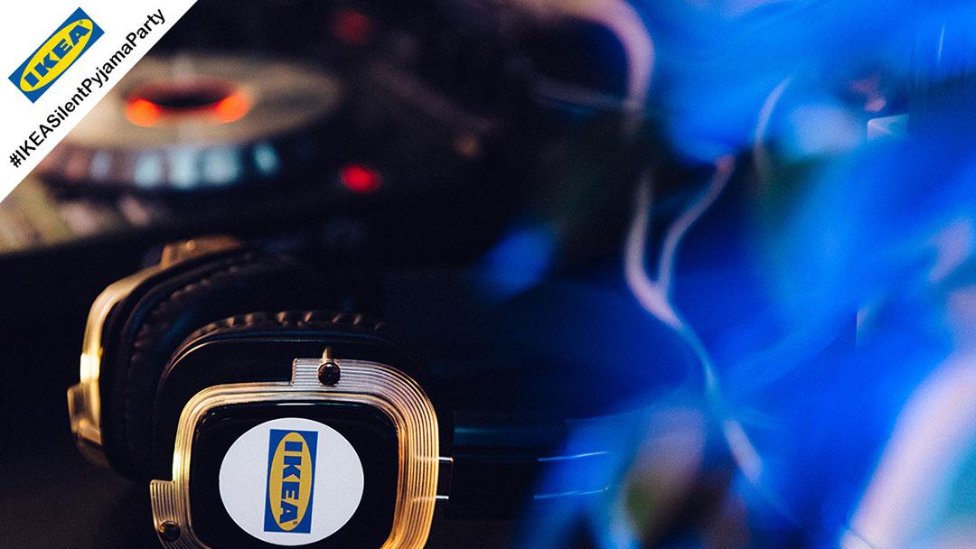 Silent Disco Kopfhörer mit IKEA Logo